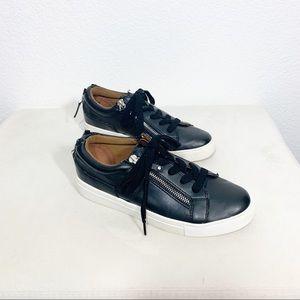 Steve Madden l JLoww Sneakers